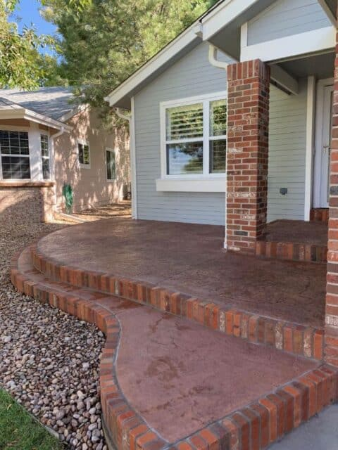 Front entry steps with brick borders 3