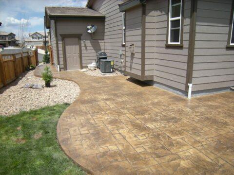 Concrete patio in rectangular pattern