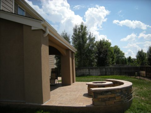 Curved wall with octagon firepit
