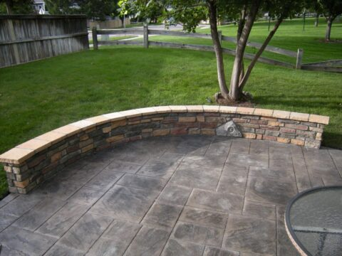 Curved concrete wall 2